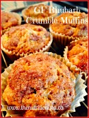 The perfect GF rhubarb crumble muffins. These are so good! Via @bcnutritionista